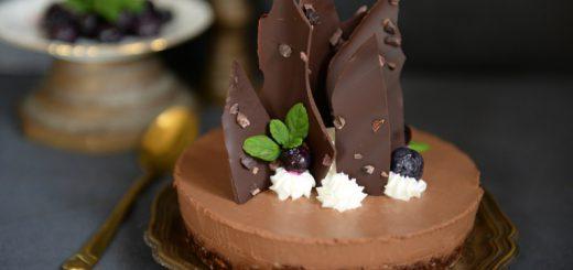 עוגת מוס שוקולד פליאו ללא אפיה