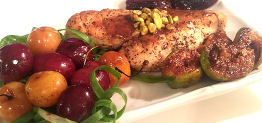 חזה עוף ותוספת פירות ברוטב מתוק