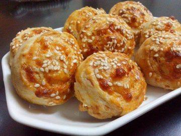מאפה שבלולי גבינות ושום